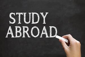 中国社会科学院在职课程班获得硕士学位证容易吗